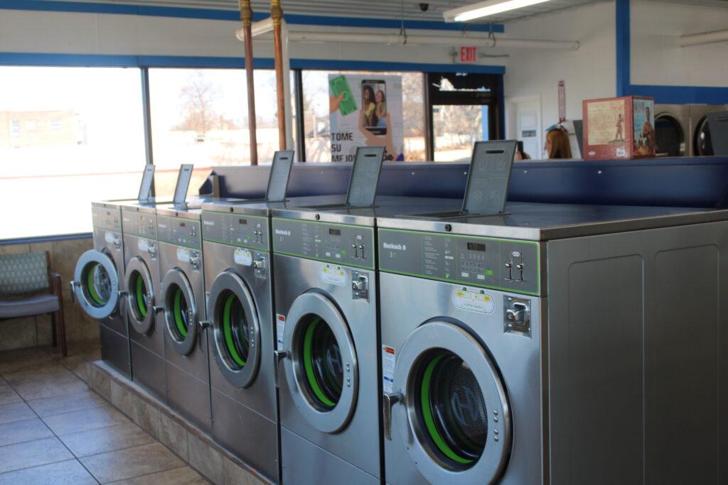 laundromat near st louis